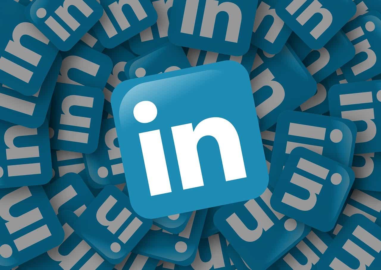 Los Emojis, gifs y stickers llegan a LinkedIn